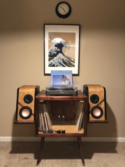 Curved Bookshelf speakers