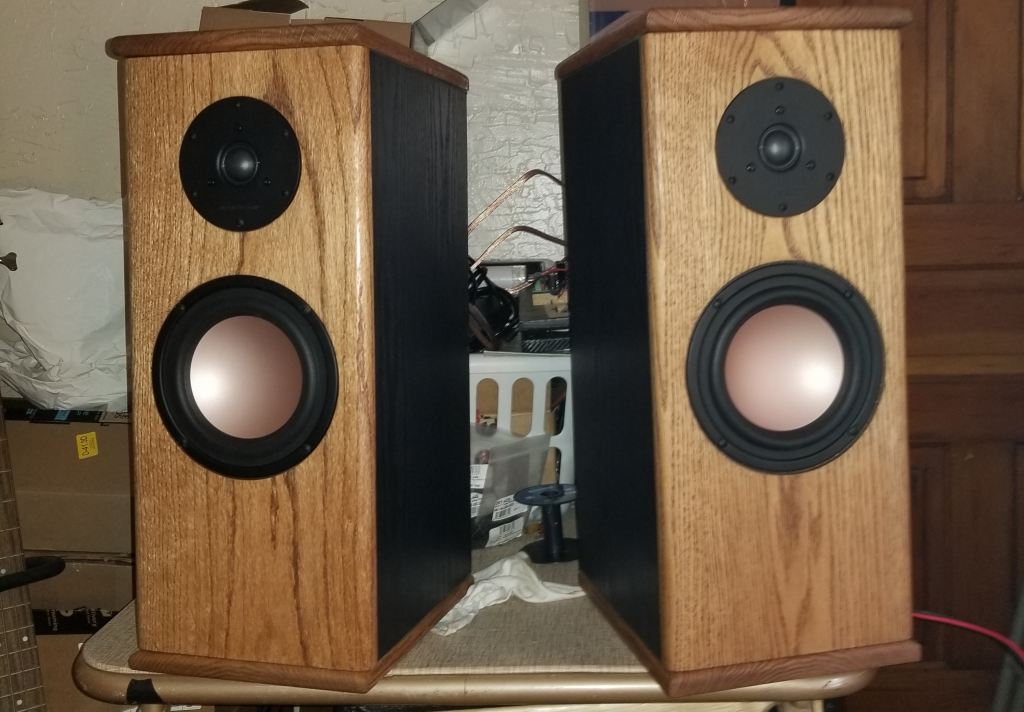 HIVI MONITORS